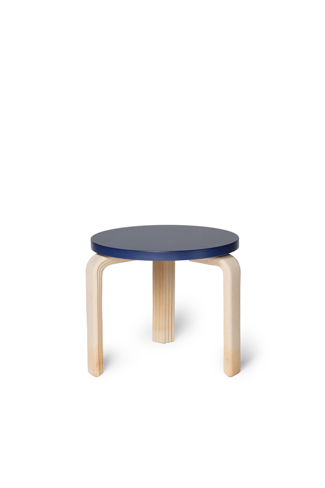 EXTRUDED ALVA TABLE | Apparatu